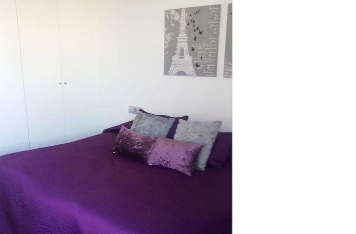Double room to rent in SAN FERMIN - Pamplona - Huis