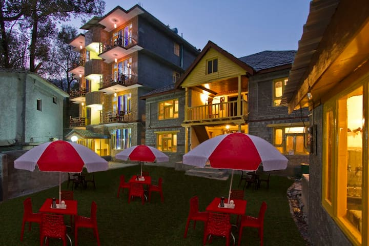 De Mount Castle - Manali