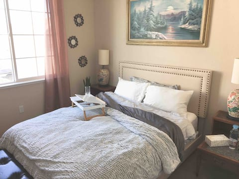 Cozy Room by the Bay