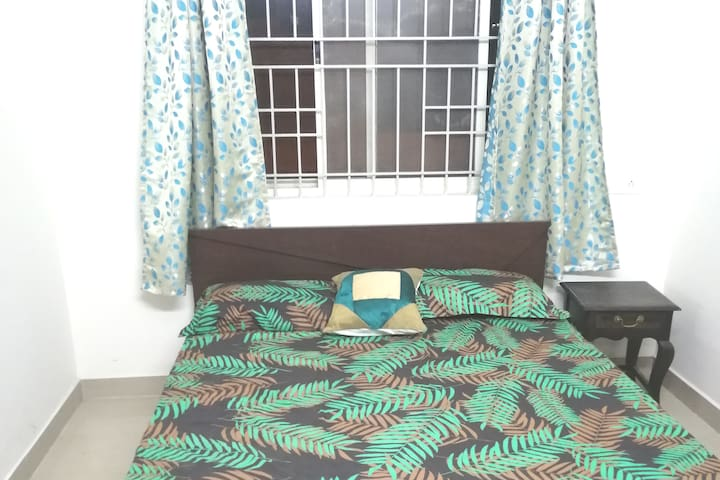 MONARCH private room in 4 bhk