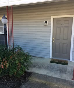Cozy Apartment Near MSU - Starkville