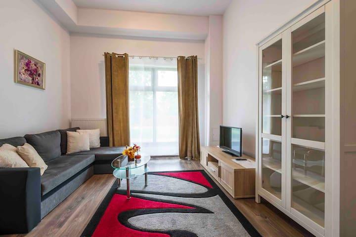 Apartament dla 5 osób w cichej, zielonej dzielnicy