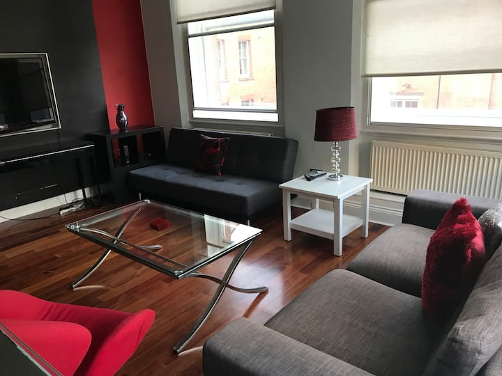 Luxury 1 Bed Apartment in Heart of City