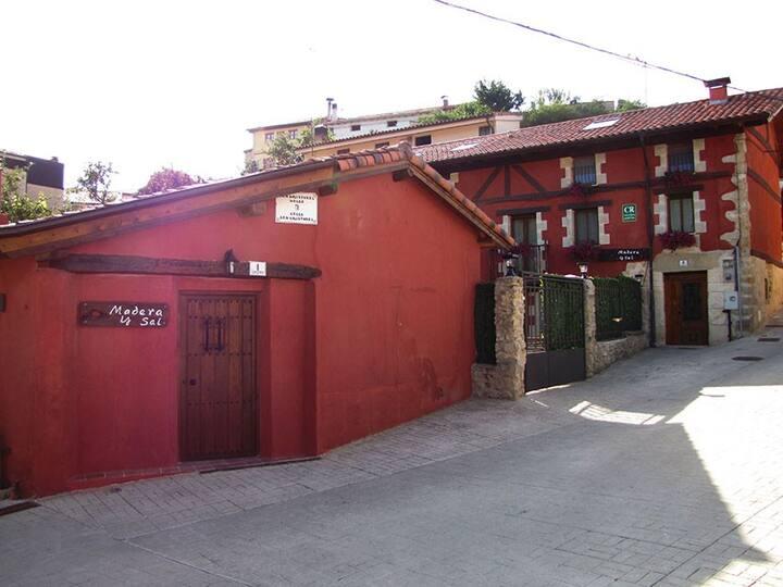 Alquiler integro Casa rural Madera y Sal max 20p