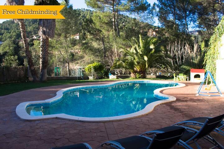 Catalunya Casas: Pleasant family villa in Matadepera, located right outside of Barcelona!
