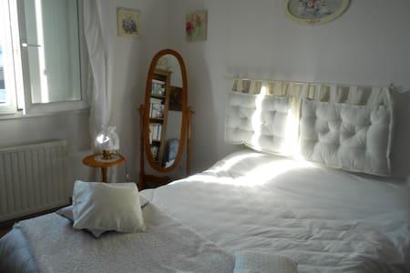 chambre romantique chez l'habitant