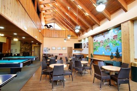 SNOW- One Bedroom Condo close to Village - Lac Big Bear