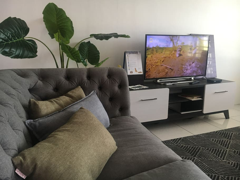 Air conditioned living room with TV & Astro