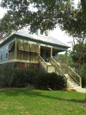 Charming Cottage with Private Pool - Dauphin Island - Hus