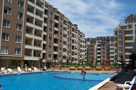 Апартамент с 1 спальней  в Бургасе - Byt