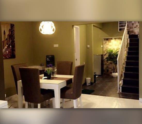 Homestay TETEH Syariah BANDUNG 3bedrooms 5bathroom