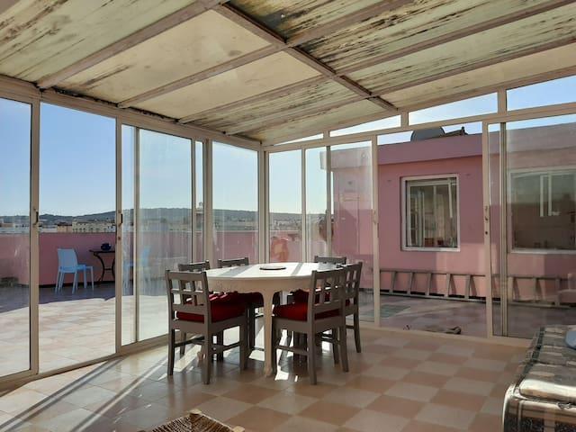 Bel appartement avec une belle terrasse