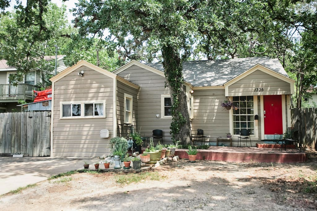 Cozy 3 Bedroom In The Heart Of Atx Houses For Rent In Austin Texas United States