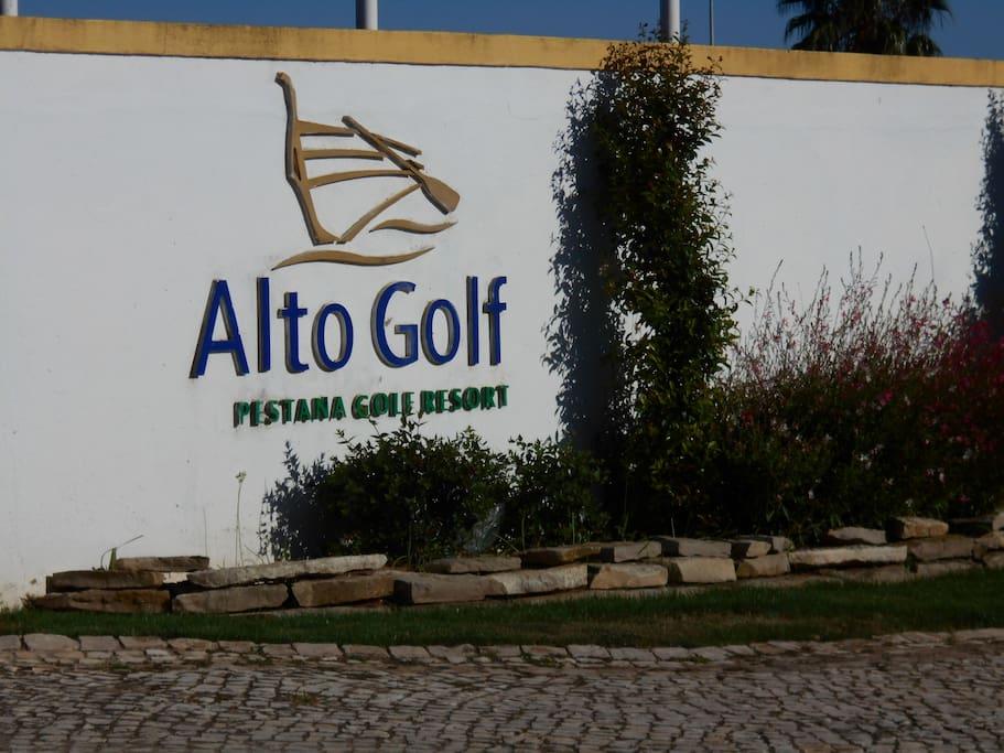 Entrance Sign to Alto Golf