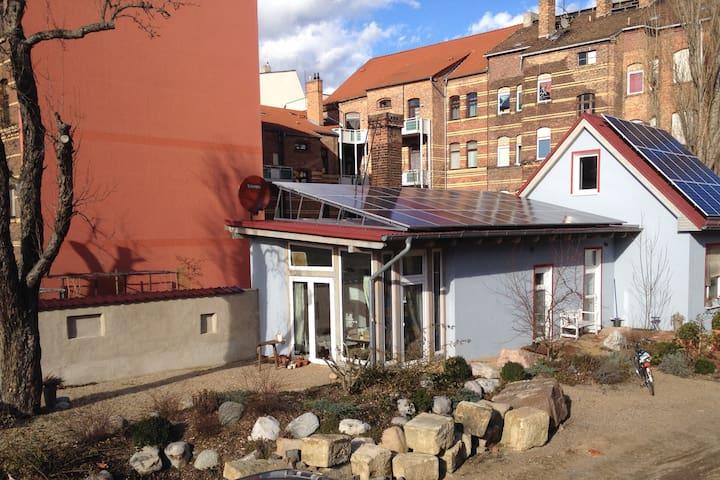 heller Bungalow nahe Zentrum/cosy central bungalow - Magdeburg - Bungalow