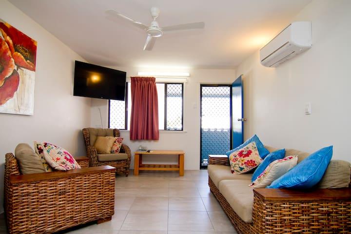 Comfy Beachside Family Retreat - Bowen - Apartamento