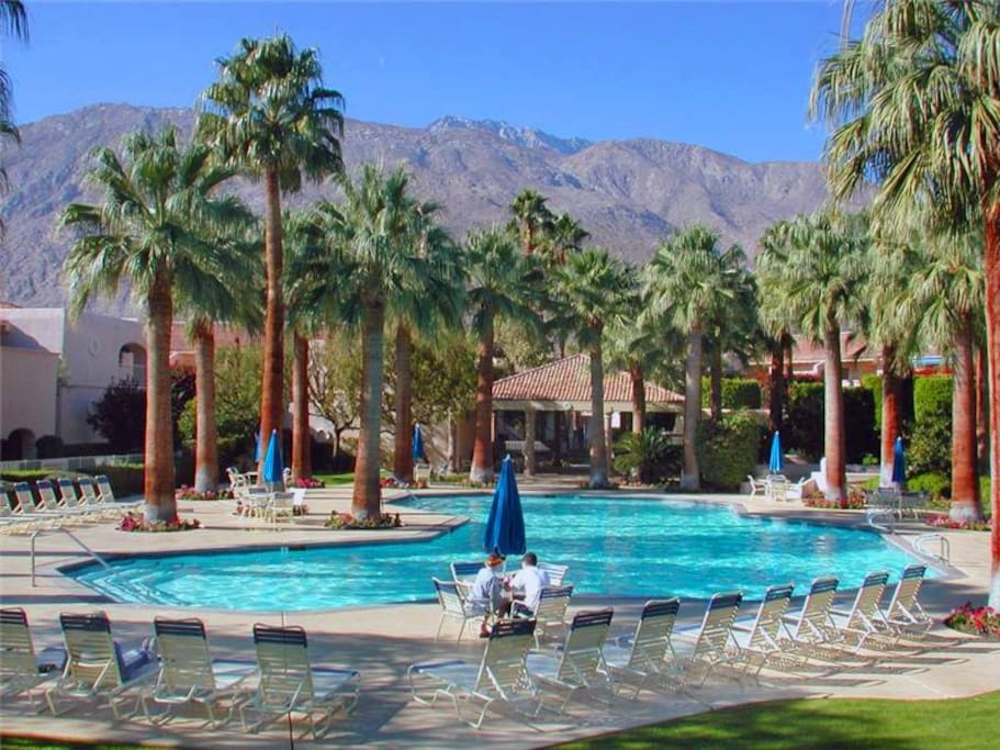 Deauville Two Bedroom 524 Condominiums For Rent In Palm Springs California United States