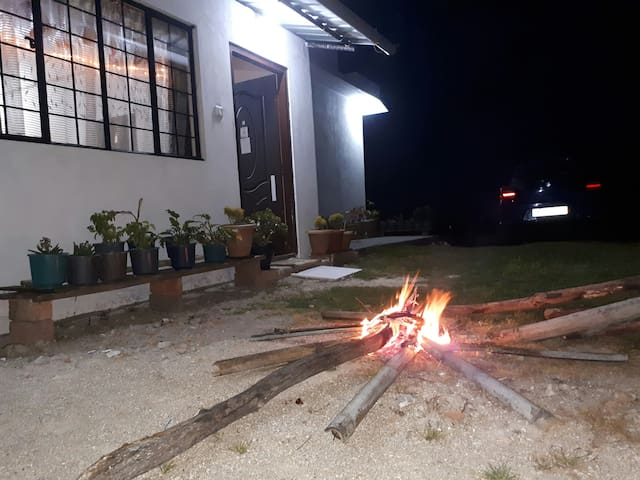 Quindelina Homestay- Private home