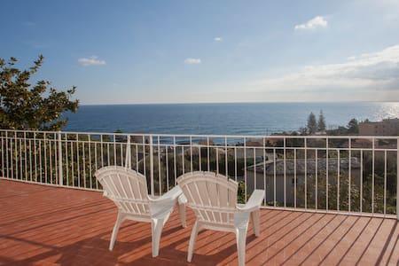 Villa avec vue sur mer proche de Bastia - Santa-Maria-di-Lota