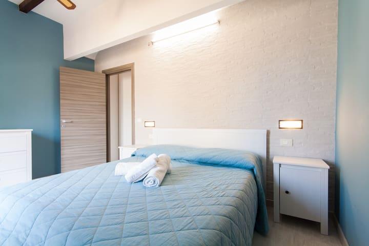 Flat Free Wifi,just 250 mts from beach( 2-4 Pax) - Castellammare del Golfo - Maison