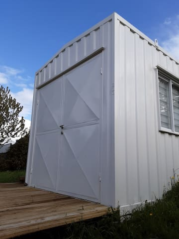 Hospedaje en tiny house muy buena ubicación.