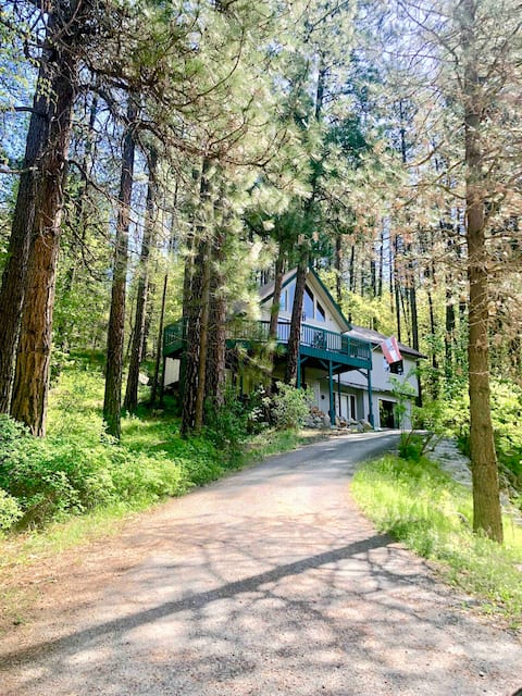 Snowcreek Sanctuary (hot tub & sauna)