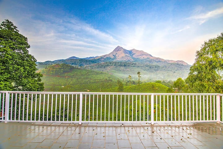 ☆☆☆☆☆ Room in Villa in Wayanad w/ views, peace