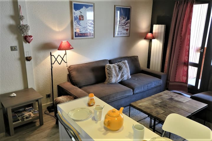 VAL D'ISERE  1 bedroom flat for 4 people