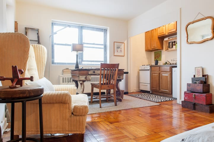VROOM VROOM - Sleeps 3 - Jersey City - Daire