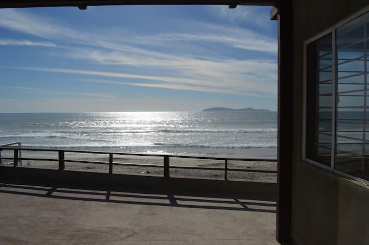 "On the beach, nice ""Casa de Playa"" - Rosarito - Dům"