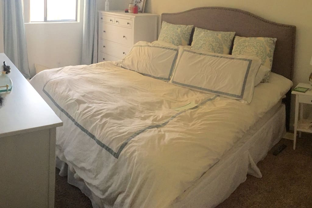Spacious master bedroom, featuring King size mattress with direct access to Master Bathroom.