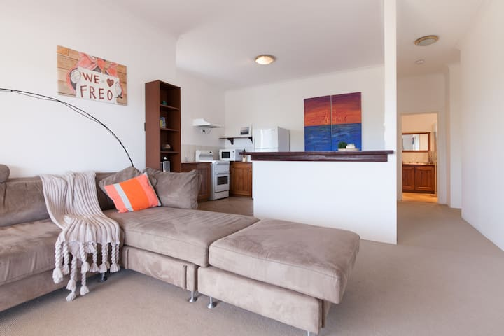 Self contained unit in quiet Coogee - Coogee - Apartamento