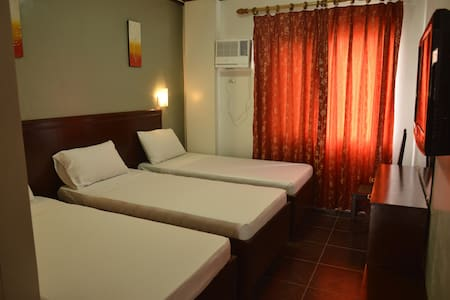 New & Clean Triple Room - Kalibo - Szoba reggelivel