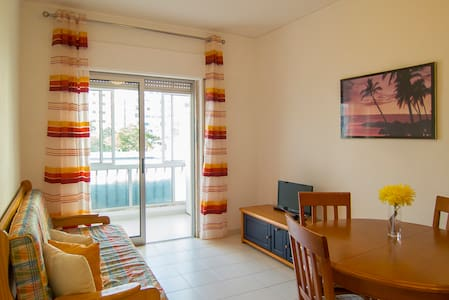 Only 100 meter away from the beach! - Quarteira - Daire