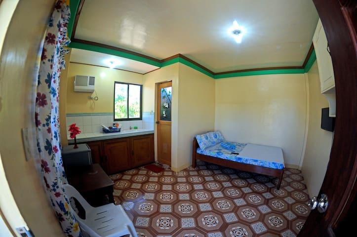 5min to WhiteBeach S2, Guest Room 3 - Malay - Apartamento