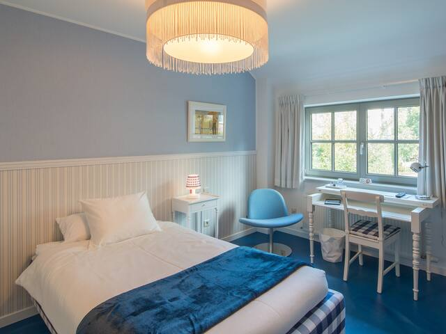Deluxe Single Room @ Guesthouse De Rode Haas - Oud-Heverlee - Bed & Breakfast