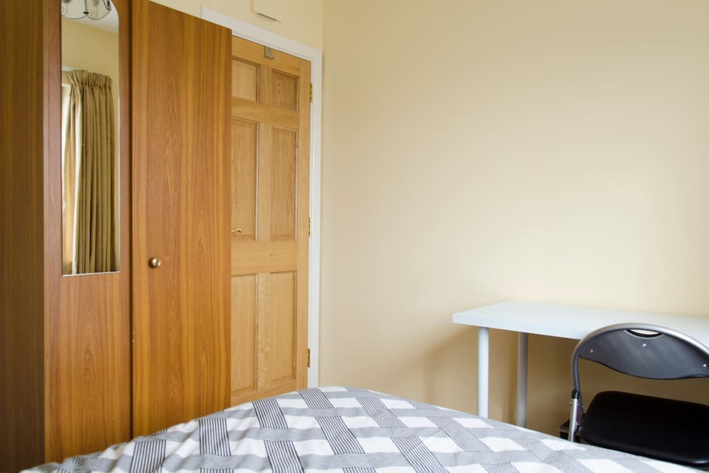 Double roome with office and wardrobe