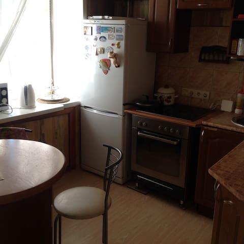 Сдам посуточно 3-ную квартиру в центре Барнаула - Barnaul - Apartment