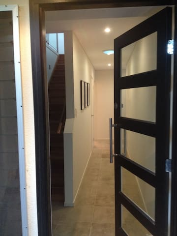 Inner City room in trendy Windsor - Windsor - บ้าน