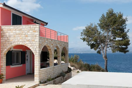 Beautiful house on Solta