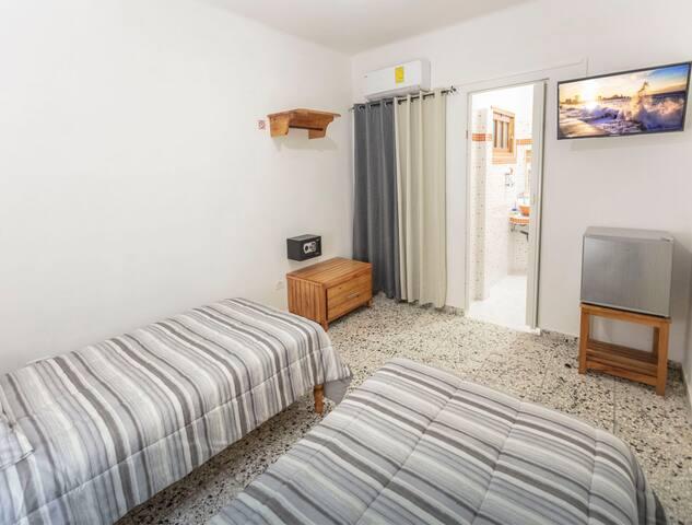 Primera habitación 2 camas individuales