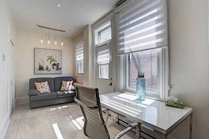 LUXURY Modern Prime Suite! Outremont- Brand New AC