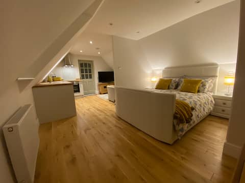The Cotswold Stowaway, Perfect Luxurious Retreat!