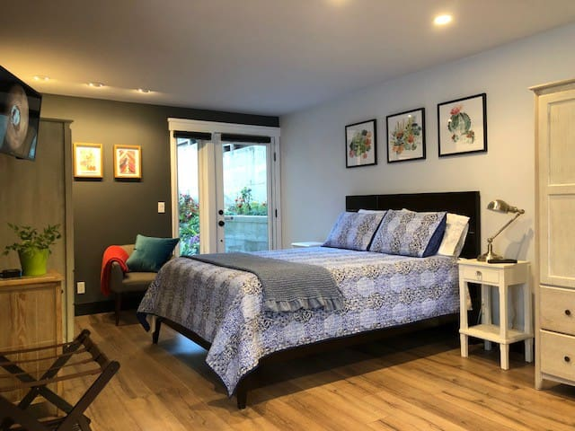Dolores Heights Suite