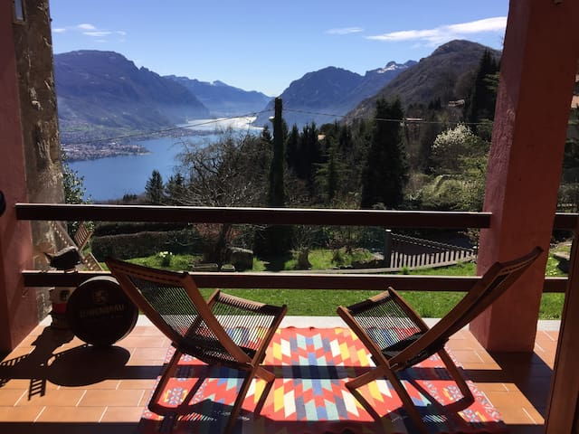 Beautiful view of Lake Como - Civenna - Vila