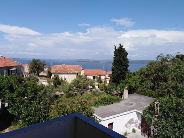 Apartment N.2 - 200m away from the beach