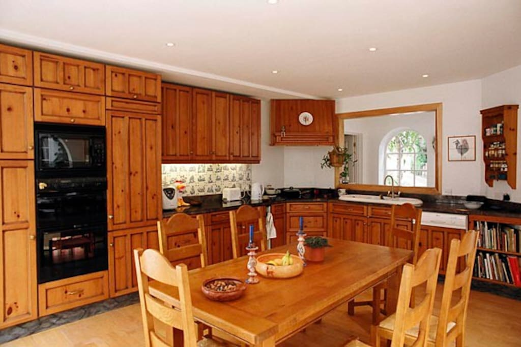 Spacious bright kitchen