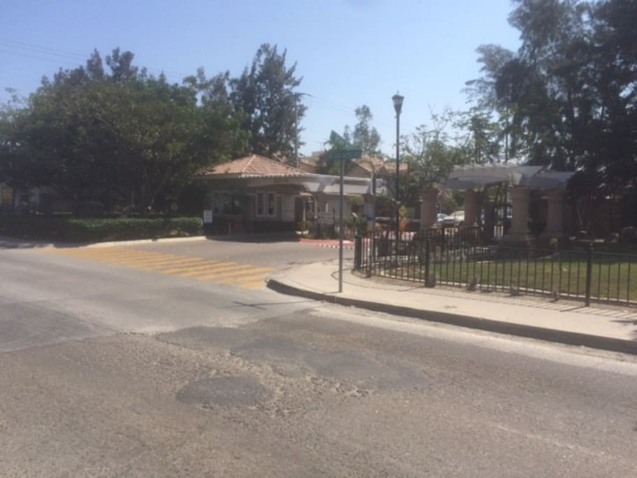 GATED COMMUNITY WITH 24/7 SECURITY
