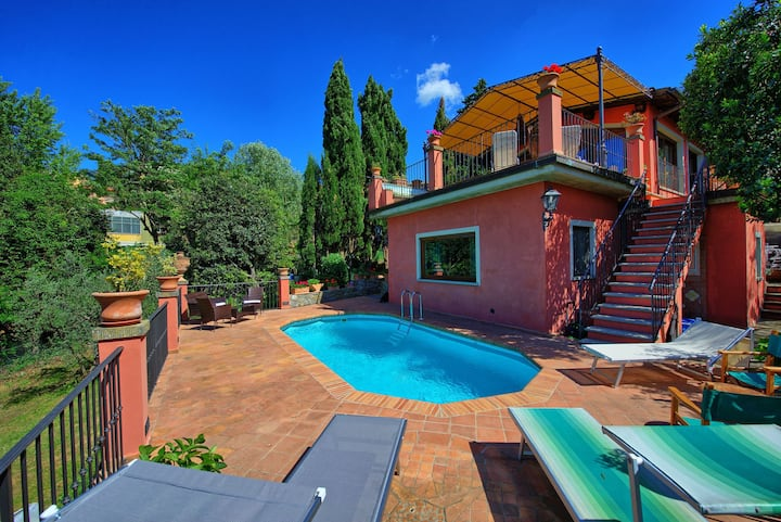 Casa Vania - Exclusive Villa for Rent with swimming pool near Florence, Tuscany