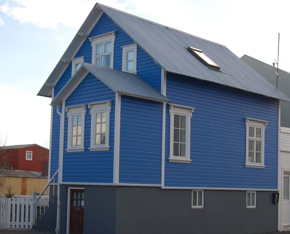 The blue house!